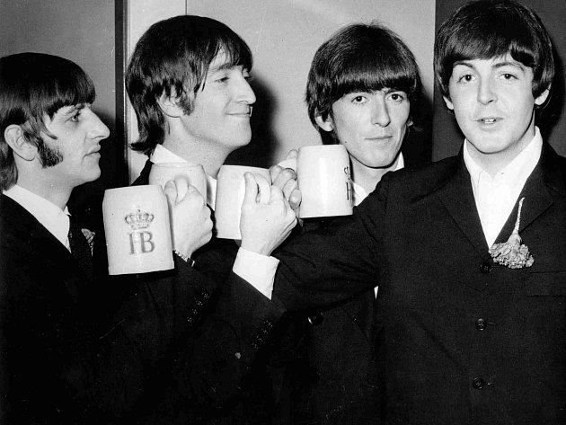 Skupina Beatles vroce 1966.Zleva Ringo Starr, John Lennon, George Harrison a Paul McCartney.
