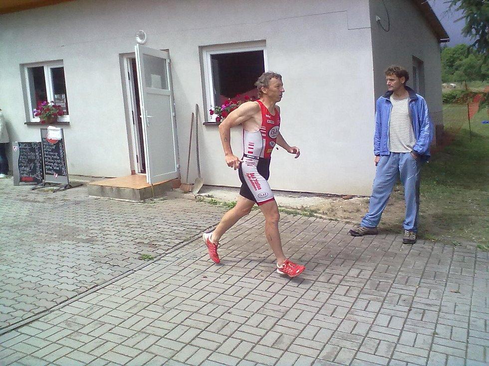 Václav Zajíc ani Šárka Grabmülerová se deště nezalekli.