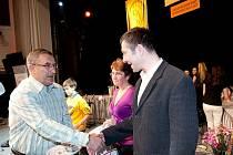 Michal Havelka převzal Cenu fair play z rukou Jaroslava Pouzara