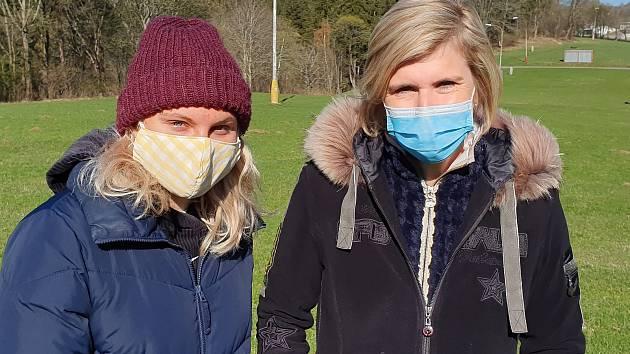 Kateřina Neumannová (vpravo) olympijské hry vyhrála, Barbora Havlíčková je teprve na začátku kariéry.