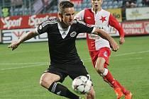 Petr Benát podal proti Slavii kvalitní výkon.