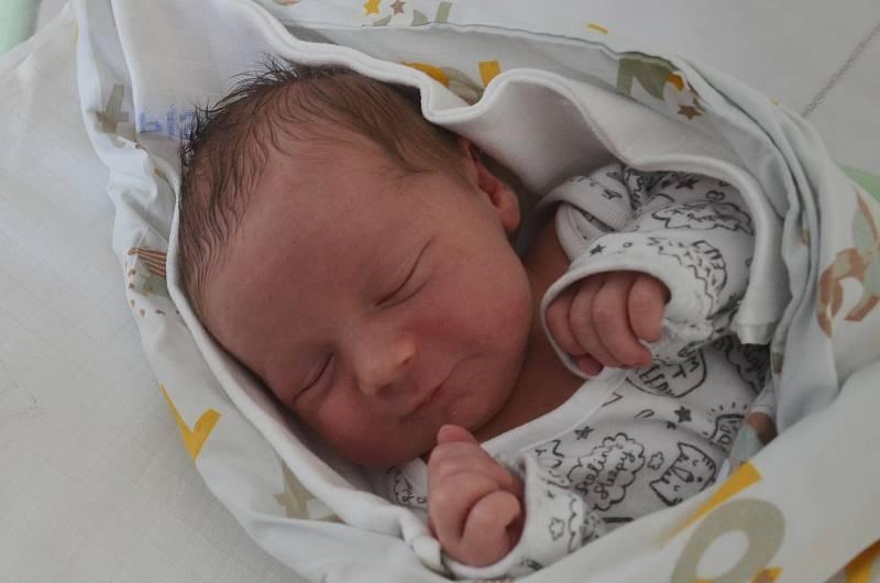 Vilém Jiřík z Písku. Syn Jany a Tomáše Jiříkových se narodil 14. 9. 2021 v 7.54 h. Jeho porodní váha byla 3,90 kg. Doma se na brášku těšila 3letá Sofie.