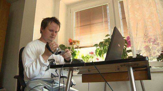 Snímek zfilmu Otázky pana Lásky, který natočila Dagmar Smržová.