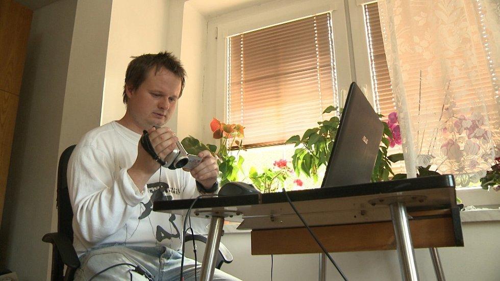 Snímek z filmu Otázky pana Lásky, který natočila Dagmar Smržová.