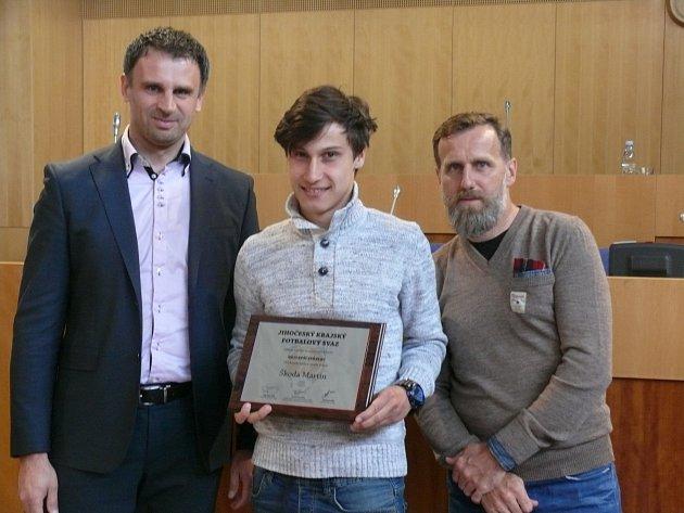 V budově Krajského úřadu převzali ocenění fotbaloví trenéři a nejlepší střelci krajských soutěží