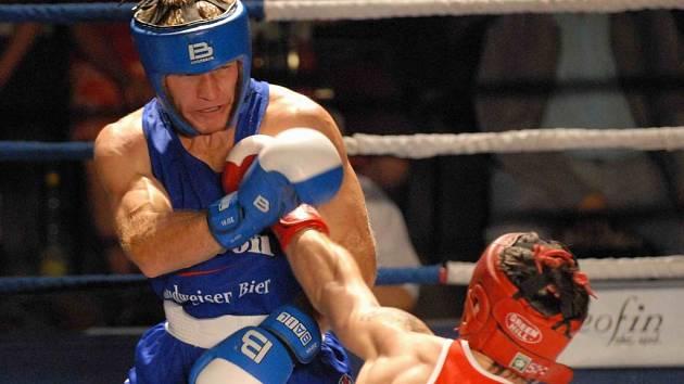 Michal Frček  neměl v ringu proti polskému reprezentantu Chudeckému snadnou roli, a přestože nevyhrál, neodvedl špatný výkon.