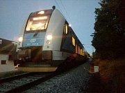 Střet auta s vlakem u Mladého.
