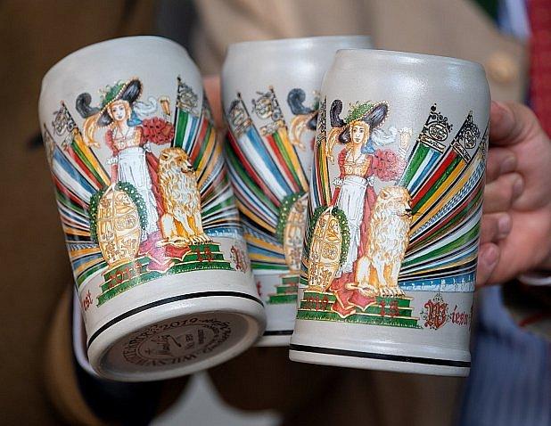 Na pivo a na památku.