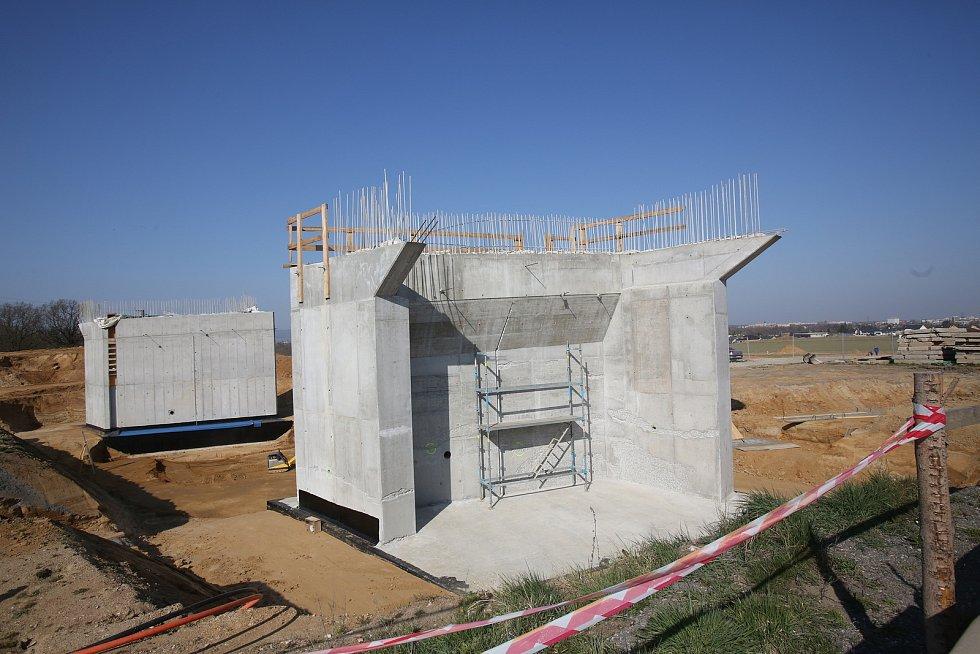 Stavba dálnice D3 u Českých Budějovic.