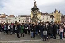 V pátek si na českobudějovickém Gymnáziu Česká připomněli 30 let výročí sametové revoluce. Foto: Marian Tišer