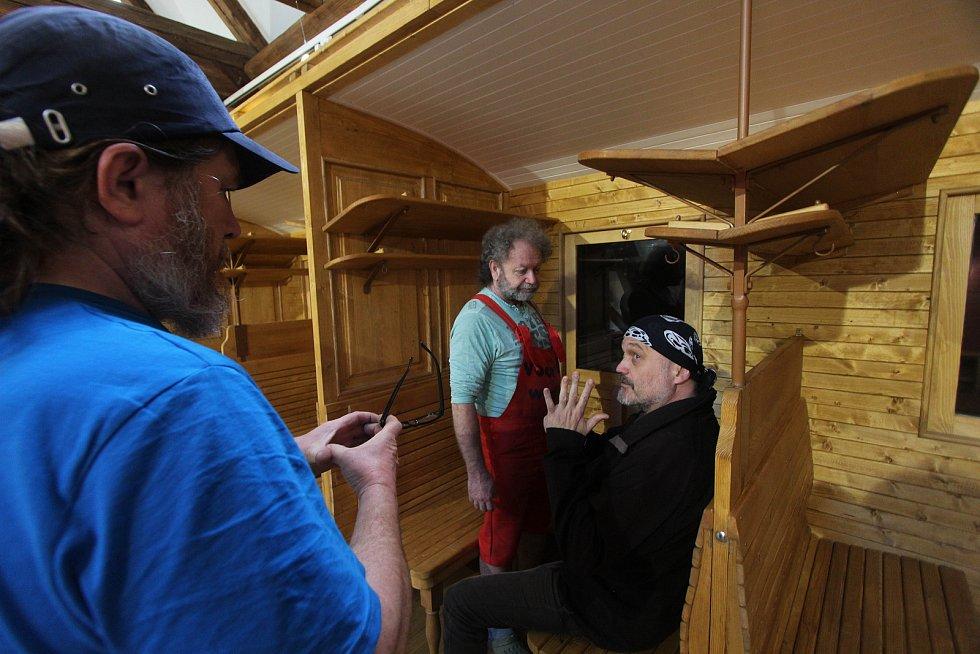 Expozice parní železnice v borovanském klášteře.
