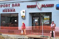 K jihočeským hernám a barům, které se v uplynulých letech staly cílem lupičů, patří i tato  provozovna v Táboře.