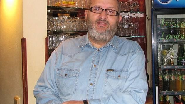 Jozef Cibula pochází z Bratislavy, ale dlouhá léta žije v Českých Budějovicích.