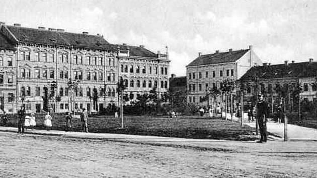 Palackého náměstí asi 1910.