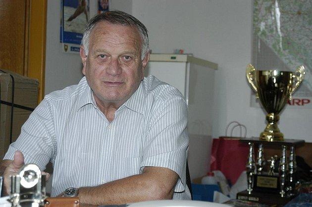 Manažer českobudějovického Jihostroje Zdeněk Scheichl  připravuje klub na novou sezonu. I ve svém náročném programu si našel chvíli na dotazy Deníku.