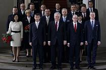 Prezident Miloš Zeman jmenoval novou vládu.
