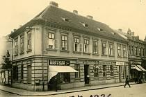 Hostinec U Vlášků roku 1936.