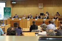 Starosty seznámili se situací a výhledem v odpadovém hospodářství zástupci Ministerstva životního prostředí, Jihočeského kraje, Teplárny České Budějovice.