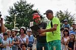 """Návštěvníci Dřevorubeckých slavností fandili závodníkům, kteří bojovali o titul """"Král dřevorubců 2018""""."""