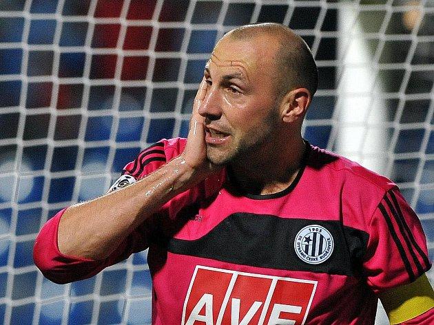 Roman Lengyel povede i na jaře fotbalisty Dynama v roli kapitána.