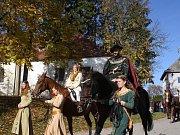 V čele průvodu jel svatý Hubert na koni.