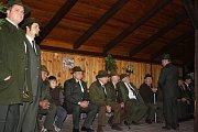 Členové mysliveckých sdružení Koloměřice-Chrášťany, Chlum-Dražíč, Hosty-Hájiště a Koloděje nad Lužnicí se sešli na sobotní slavnosti v Chrášťanech a Hostech.