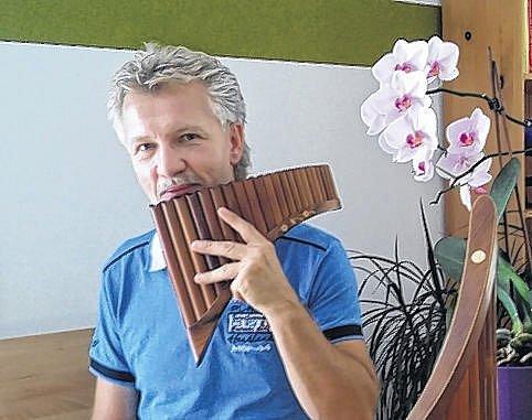 Mistr panovy flétny od sousedů.
