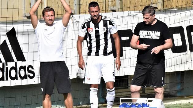 Ivan Schranz pro zranění nedohrál. Fotbalisté Dynama v předligové generálce vyhráli se Žižkovem hladce 3:0.