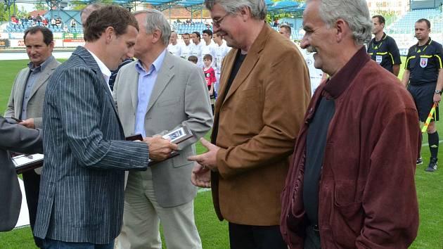 Fotbalistům Igly ČB 1972 gratuloval také Karel Poborský