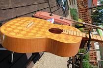 Posezení bude s klasickou kytarou