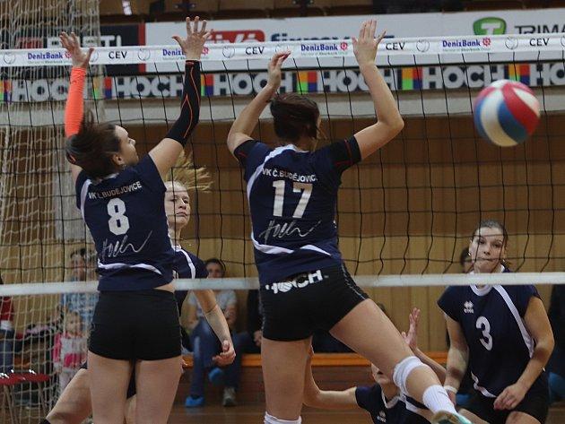 DERBY dopadlo lépe pro hráčky VK České Budějovice, které ve Sportovní hale přehrály Hlincovku 3:1 a 3:1.