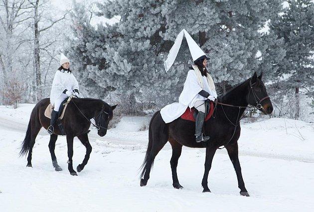 Bílé paní v sedlech mířily na hrad už v prosinci.