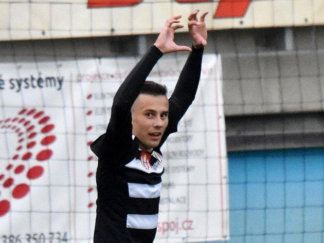 Jakub Pešek bude Dynamu proti Opavě chybět.