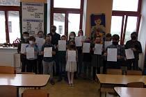 Děti v ZŠ Žimutice dostaly v pondělí vysvědčení.