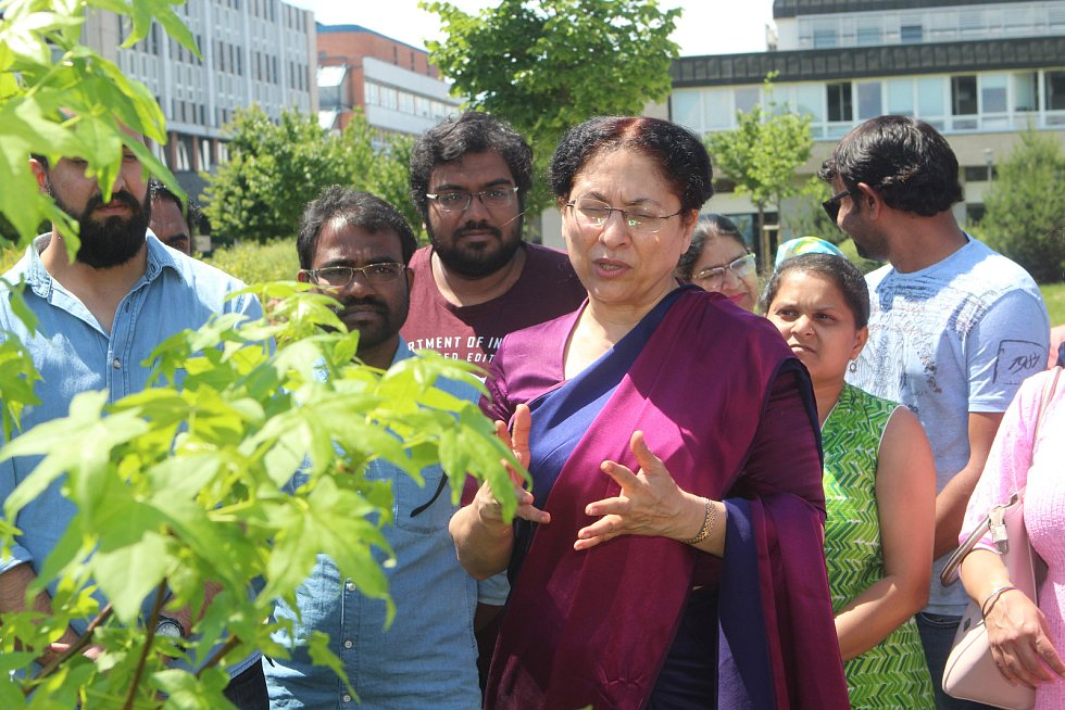 Indická velvyslankyně v Biologickém centru.