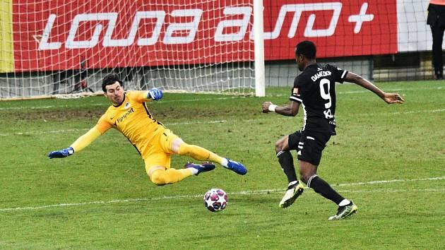 Dame Diop v této velké šanci na Nitu nevyzrál a Dynamo hrálo se Spartou 0:0. Jak dopadnou černobílí v Plzni?