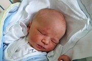 Jedenáctiletý Matyáš bude učit poznávat svět svého novorozeného brášku Rudolfa Suchánka. Narodil se 11. 9. 2017 v 9.22 h, vážil 3,362 kg. Vyroste v Dubném.