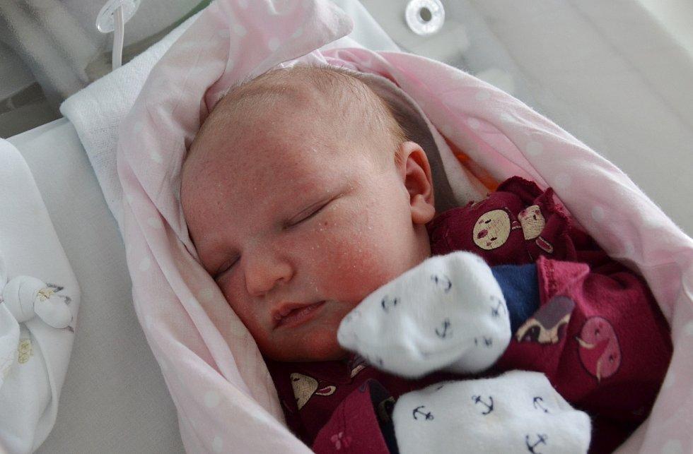 Josefína Kodadová z Křenovic. Prvorozená dcera Moniky a Martina Kodadových se narodila 31. 3. 2021 v 00.39 hodin. Při narození vážila 3900 g a měřila 53 cm.