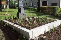 Opravený pomník na Srubci.