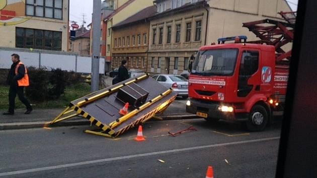 Nehoda u viaduktu. Foto zaslala čtenářka Deníku, děkujeme za něj.