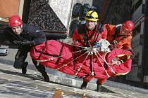 Záchranáři dokážou dopravit  zraněného člověka z Černé věže za pár minut.
