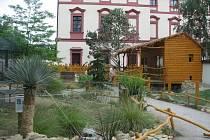 Prázdninový bohatý program připravila pro všechny návštěvníky zoo Ohrada v Hluboké nad Vltavou.