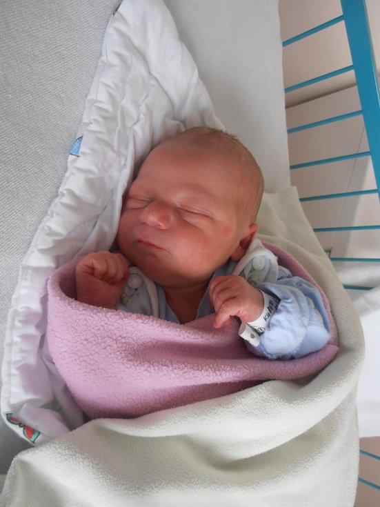 V úterý 10. 5. 2016 přivítala českobudějovická porodnice na svět Milana Kučeru. Prvorozený Milánek po narození vážil 3 330 g a narodil se ve 12 hodin a 2 minuty. Domovem mu bude obec Vrábče.