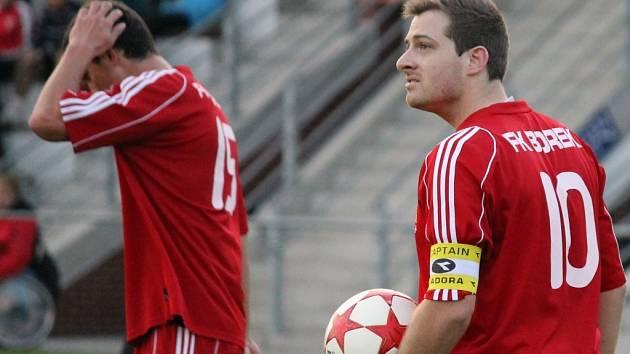 FK Borek doma porazil v duelu prvního s posledním Pištín 4:0.