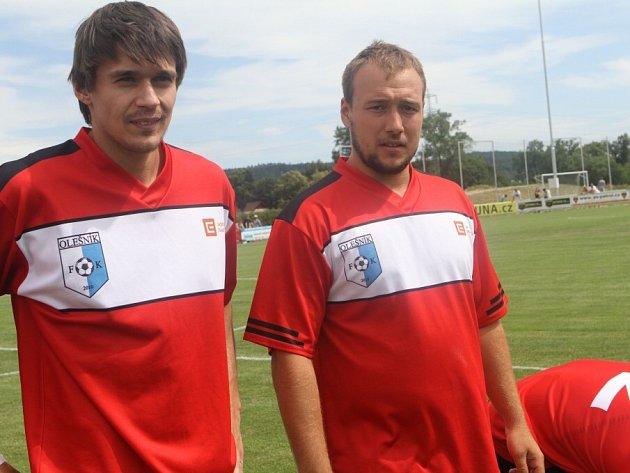 V ROUDNÉM. Jan Kovář (vpravo) vedle Romana Vráblíka si zahrál v týmu, jemuž šéfoval Milan Gulaš.