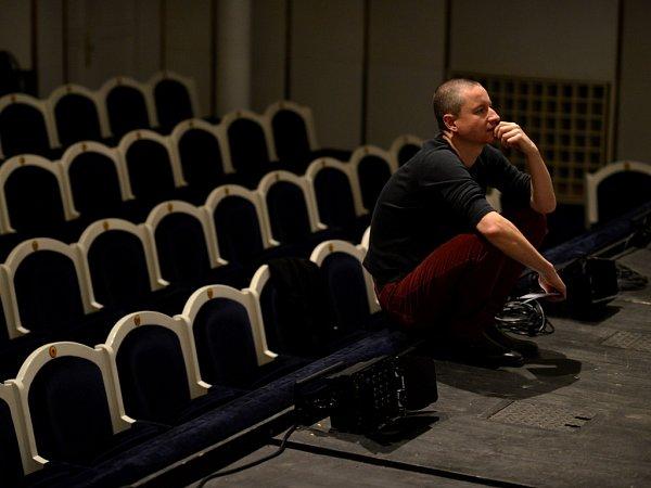 Martin Glaser, šéf činohry Jihočeského divadla, se přihlásil do konkursu na ředitele pražského Divadla Na zábradlí.