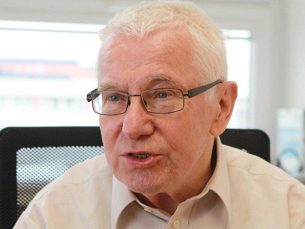 Profesor František Sehnal.