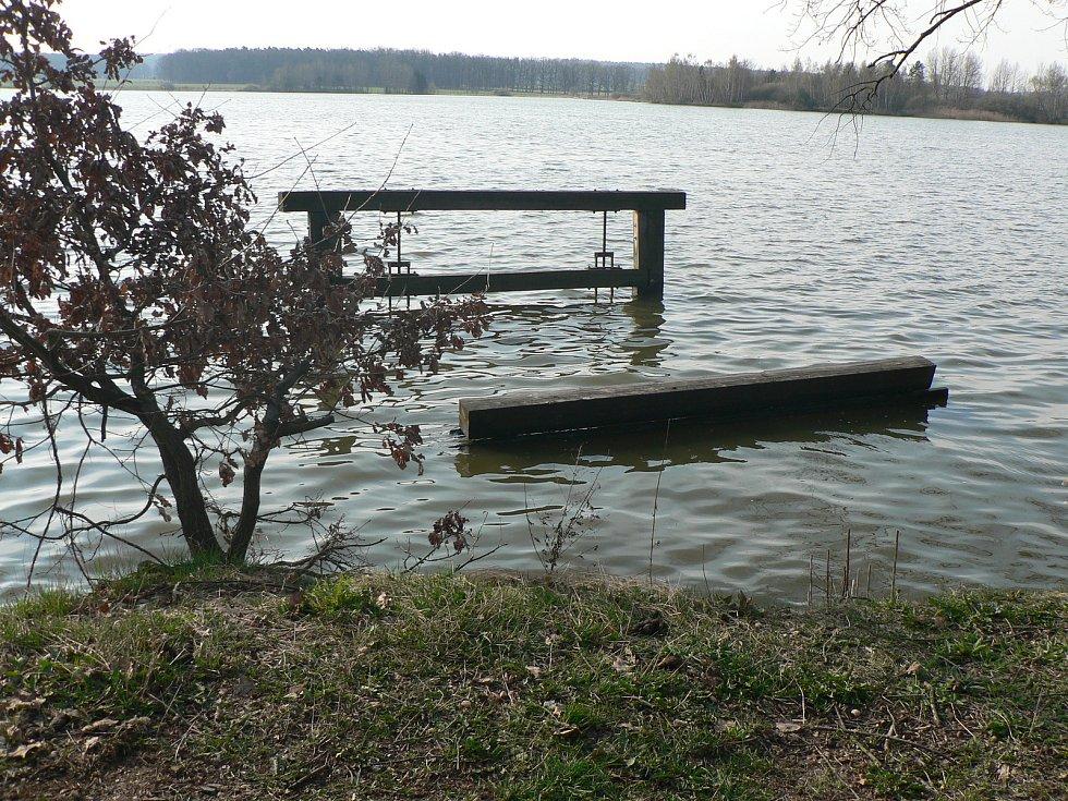 Novohaklovský rybník.