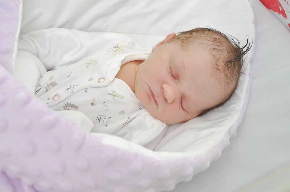 Zoe Vraná ze Strakonic. Zoe se narodila 20. 7. 2021 ve 13.24 hodin. Při narození vážila 3400 g.