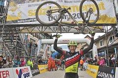 Vítězný Švýcar Konny Looser.